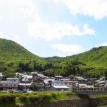 丹波焼の産地でお気に入りの窯元さんの作品、そして母の日用の播州織のストールを購入